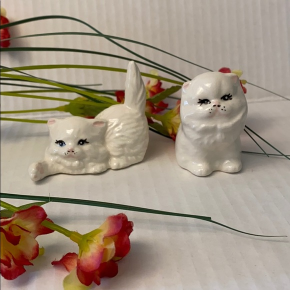 Other - Ceramic white kittens vintage and adorable